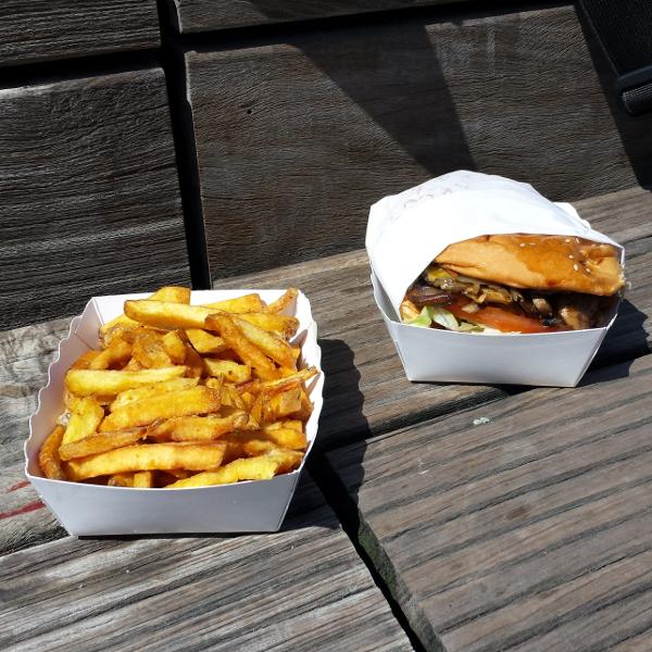 frites et burger végétarien du Camion qui fume