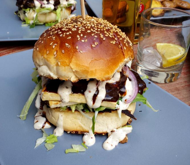 Trouvé via un article sur les meilleurs burgers végé à Budapest
