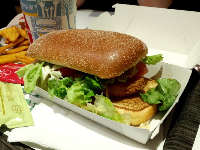 burger en forme d'agrafeuse