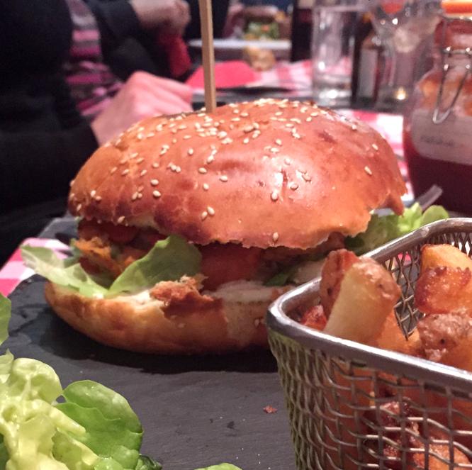 le burger végétarien de Chez Arnaud