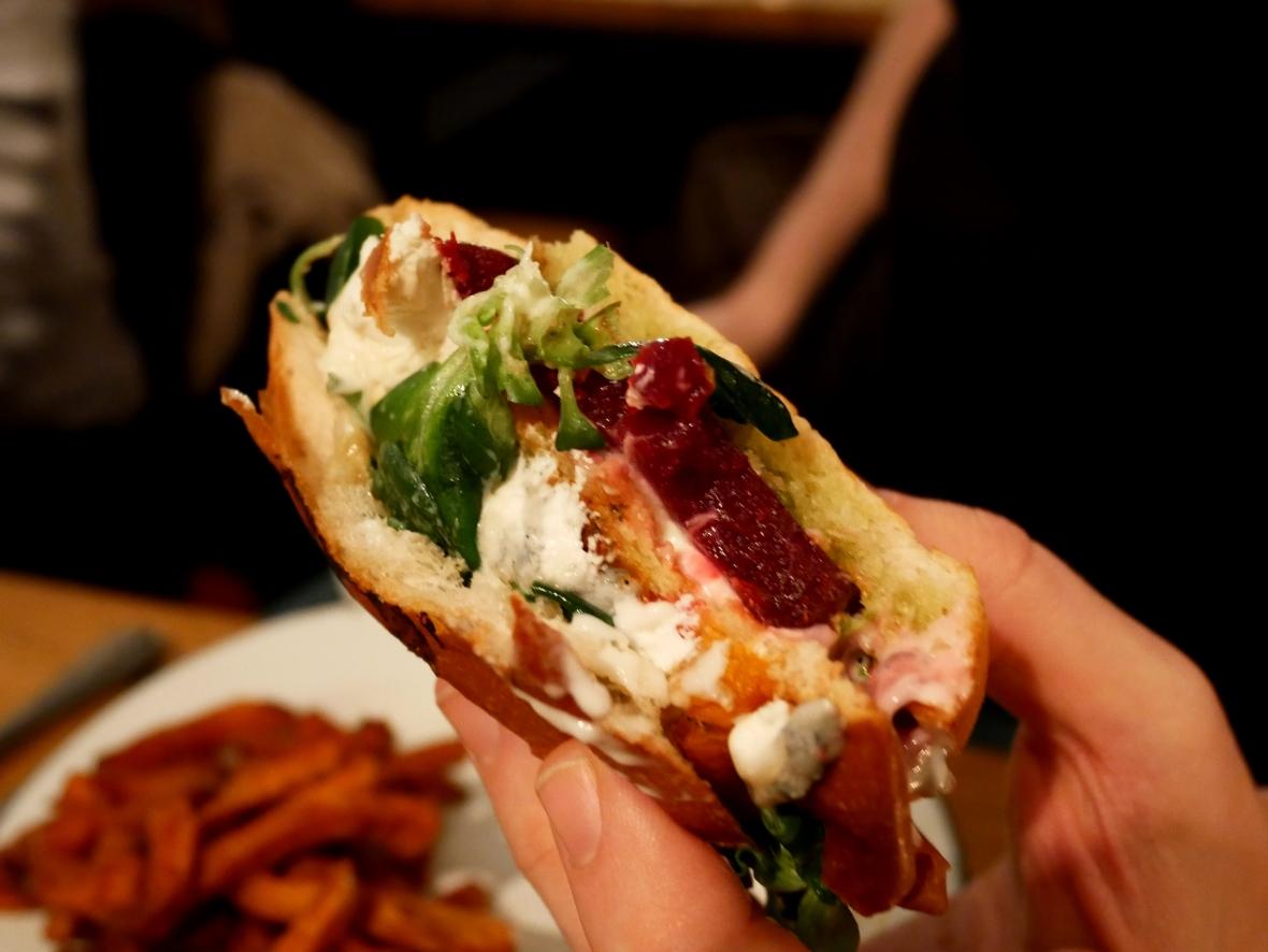burger végétarien de l'atelier saint-georges, vue de l'intérieur