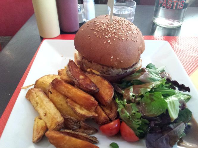 burger veggie et frites